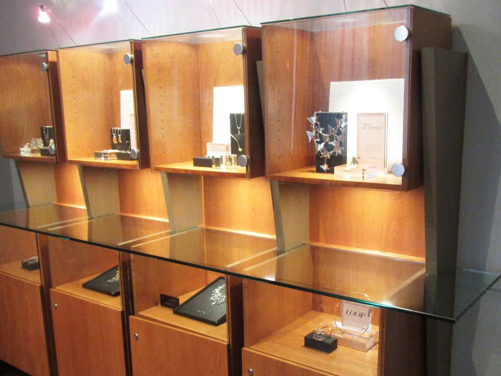 ViewPoint custom display fixtures